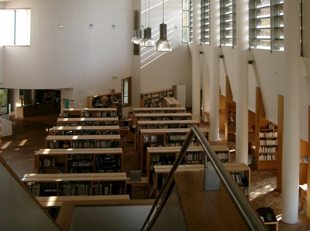 http://www.faces-architectes.net/files/gimgs/th-29_BIBLbibliothèque3.jpg
